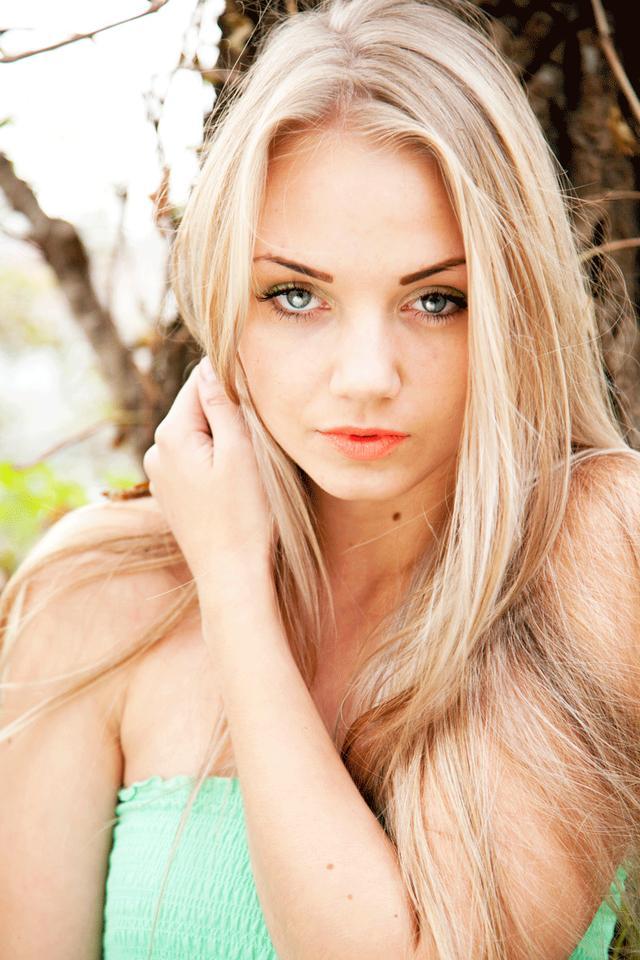 画像: モデル写真は過去の登場人物です。が、彼女たちのように若く、美しい女性が被写体です。