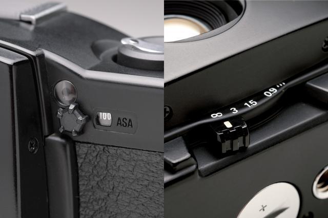 画像: フィルム感度セットつまみ(左)と距離調節レバー(右)