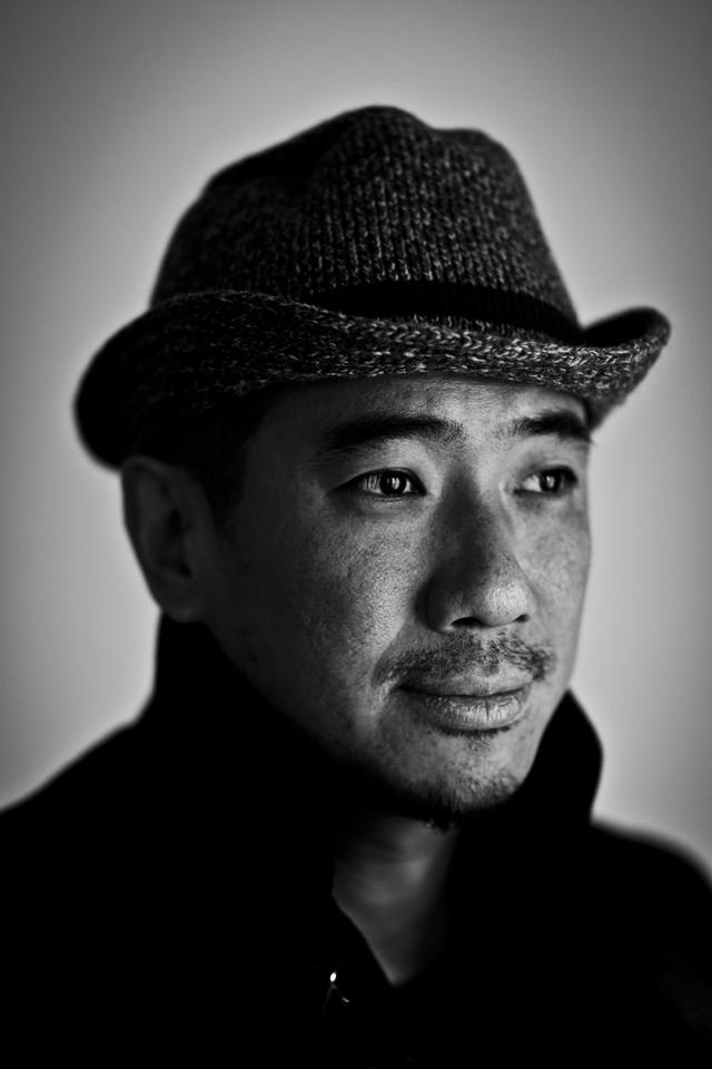 画像: 東京生まれ。東京工芸大学短期大学部写真学科を卒業後、日刊ゲンダイ写真部に入社。その後フリーランスの写真家として独立。雑誌や広告などでドキュメンタリー・ポートレート・食・舞台など「人」が生み出す瞬間・空間・物を対象に撮影する。ニコンカレッジ講師をはじめ、様々な写真講師も務める。月刊日本カメラで「東京美人景」「テストリポート」を連載中、本誌で「月例コンテスト」で審査員を担当。公益社団法人日本写真家協会会員。