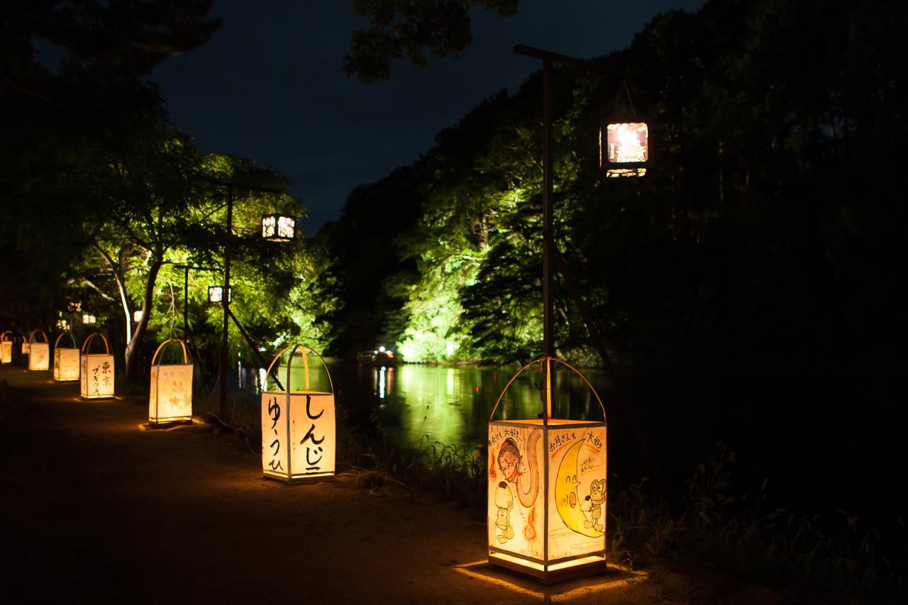画像: 美観地区「塩見縄手」も景観照明と行燈で幽玄に照らします