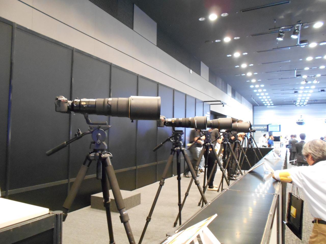 画像: ▲「Z7」に超望遠レンズを装着したタッチ&トライのコーナーもあります。