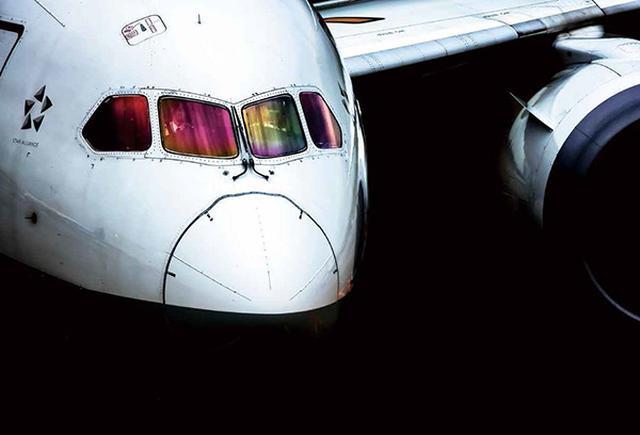 画像19: それでは乗り物の素敵な写真はどうでしょう ~2019カレンダー素材写真特集 飛行機・車・鉄道~