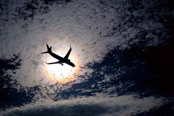 画像24: それでは乗り物の素敵な写真はどうでしょう ~2019カレンダー素材写真特集 飛行機・車・鉄道~
