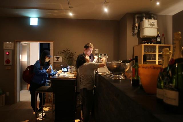 画像2: 博多によーきんしゃったね!  グローバルでディープな博多の今をリアルにレポート!  〜「ホステルで本格フランス家庭料理を堪能できるばい!」編〜