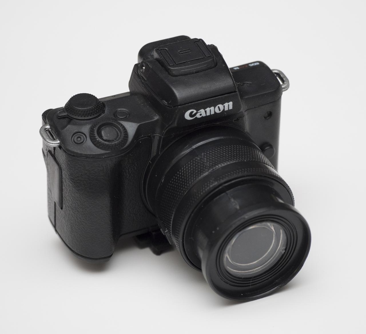 画像: Canon EOS Kiss M(ブラック)アクセサリー+EF-M15-45mm F3.5-6.3 IS STM