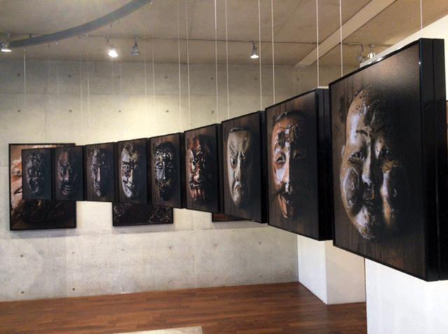 画像1: 公文健太郎展「地が紡ぐ」。2016年、農業従事者に迫った作品「耕す人」を発表以来、日本の土地に由来する人々の暮らしや文化をターゲットとして活動する公文氏渾身の個展です。