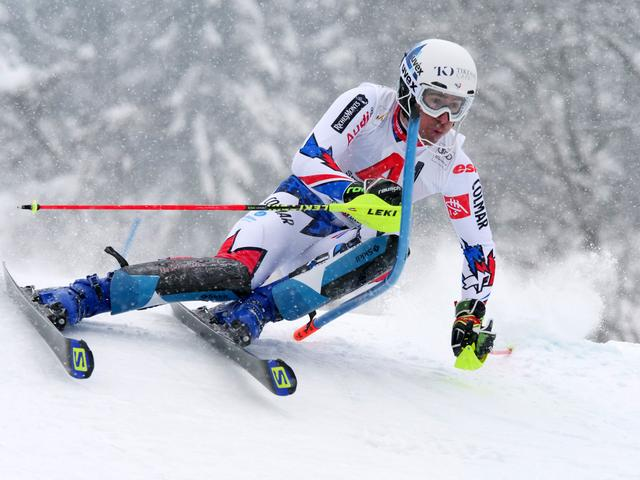 画像3: さぁ、スキーレースが始まれば被写体(レーサー)をどのように捉えるかに集中する。