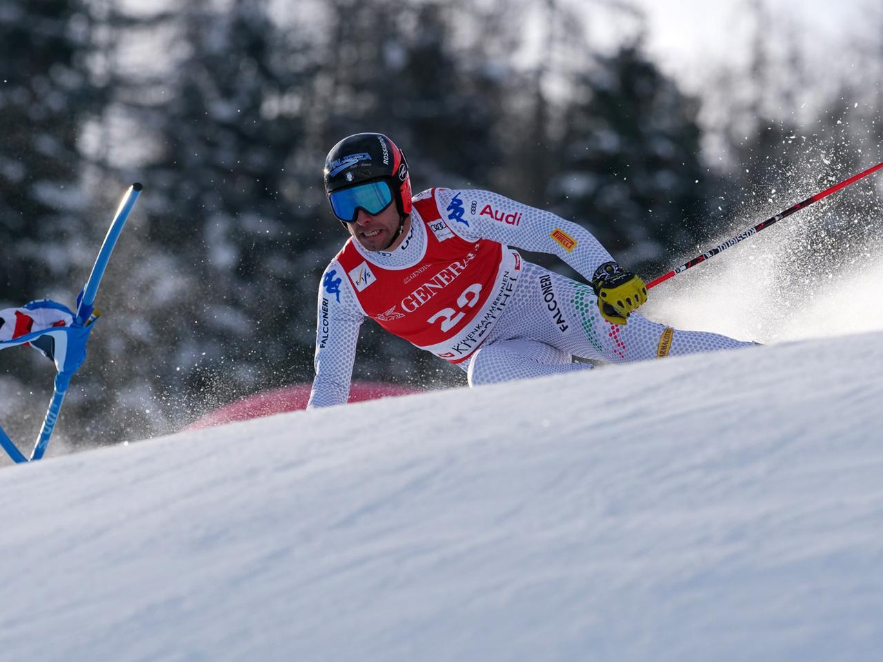 画像2: さぁ、スキーレースが始まれば被写体(レーサー)をどのように捉えるかに集中する。