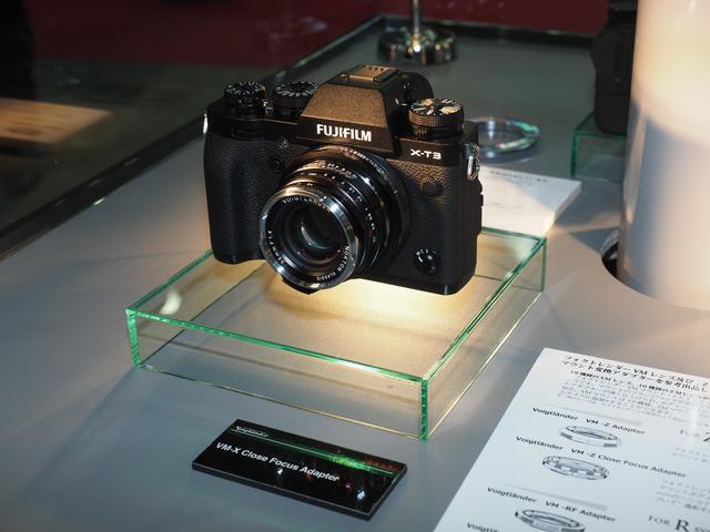 画像: ▲富士フイルムX-T3にもコンパクトなVMレンズ が装着できる。