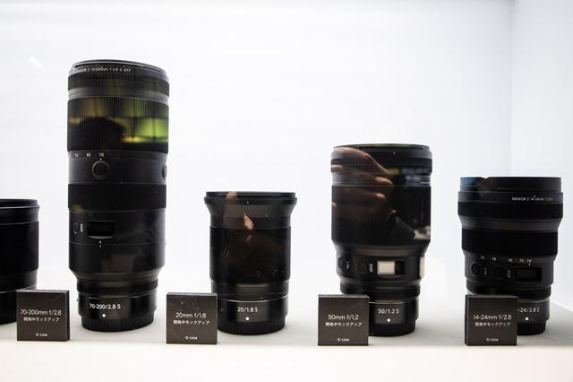 画像: ▲開発中のZマウントレンズ 。左から70-200mm f/2.8 S、20mm f/1.8 S、50mm f/1.2、14-24mm f/2.8S。