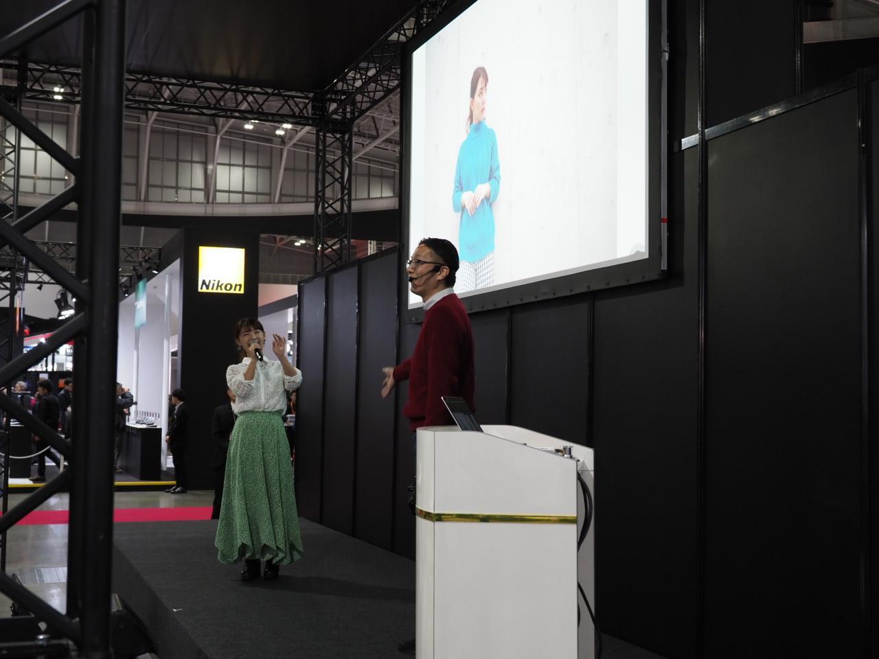 画像: ▲西尾さんは月カメ連載「アクセサリーラボ」の動画を引用して、ステージを展開していました。