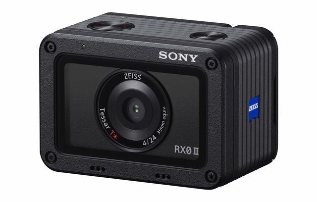 画像: 液晶モニターがティルト可能になった 手のひらサイズのタフネスカメラ 「ソニー サイバーショットRX0 II」