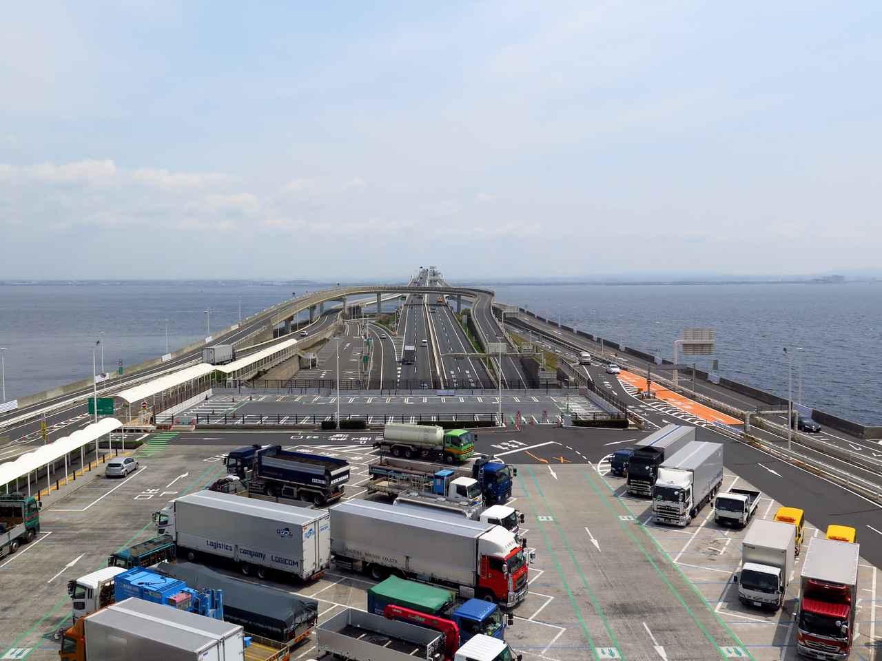 画像: 巨大な船の上にいるような、この眺めは変わりません。