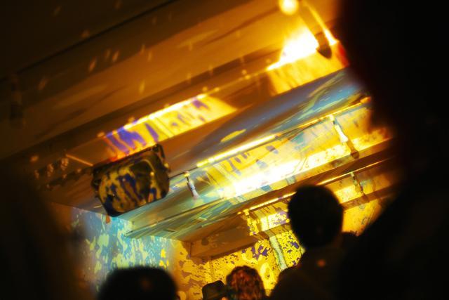 画像8: 本物だけが創り出せる本物の世界 大箱屋のLiquid light show