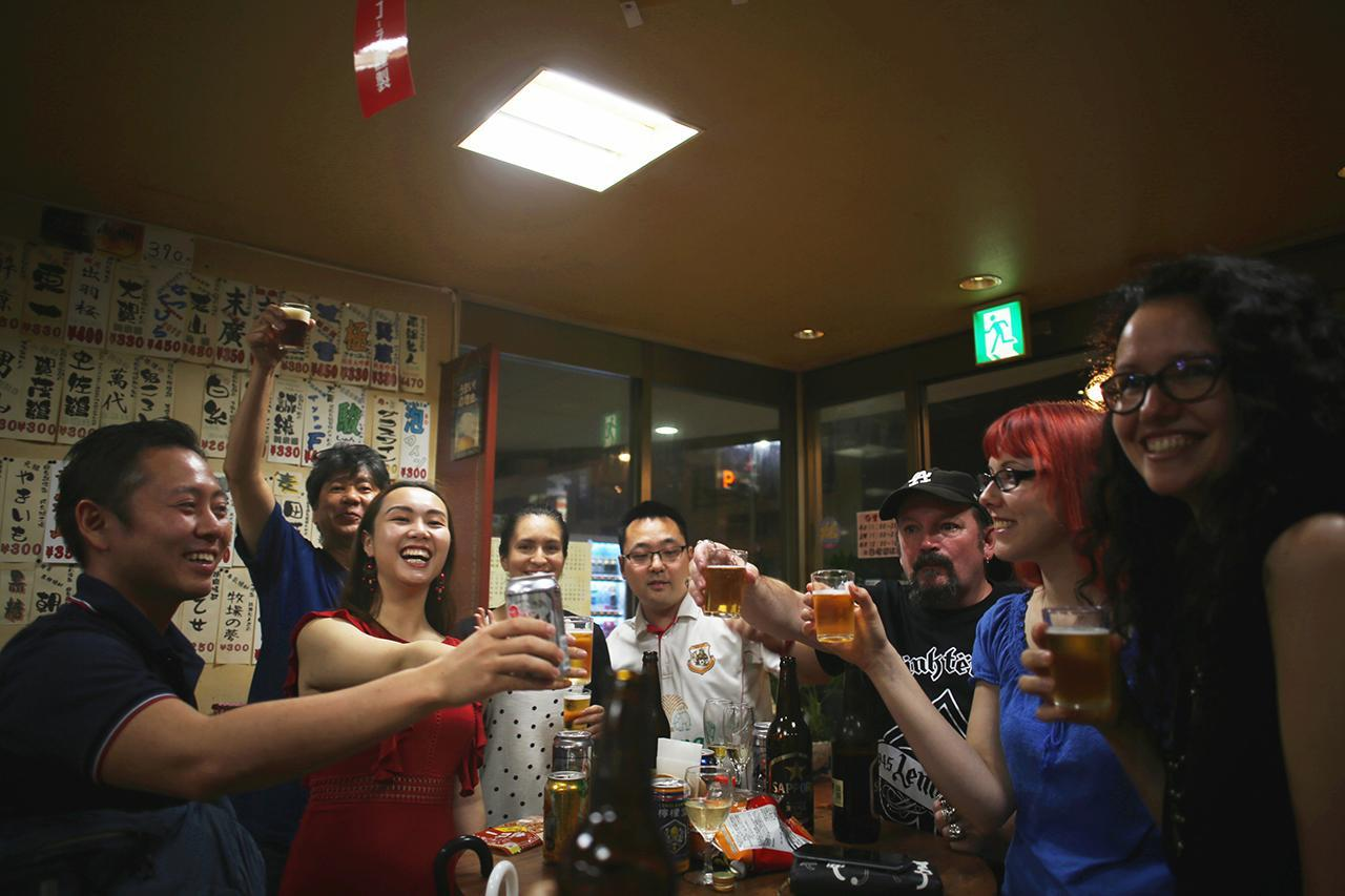 画像: 新連載!「博多によーきんしゃったね!」グローバルでディープな博多の今をリアルにレポート!〜『博多に来たらカクウチで飲まな』編〜 - Webカメラマン
