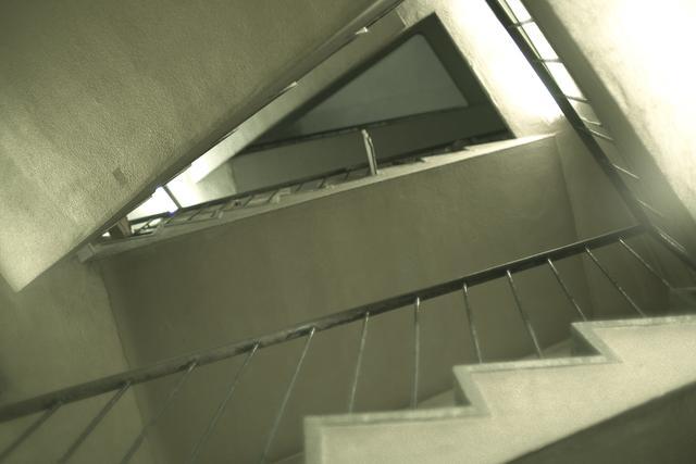 画像2: ショーケンの後を追うがごとく 「傷だらけの天使」のあのビルへ