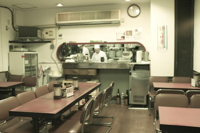 画像2: 代々木駅西口を見下ろす 「中国風レストラン 山水楼」