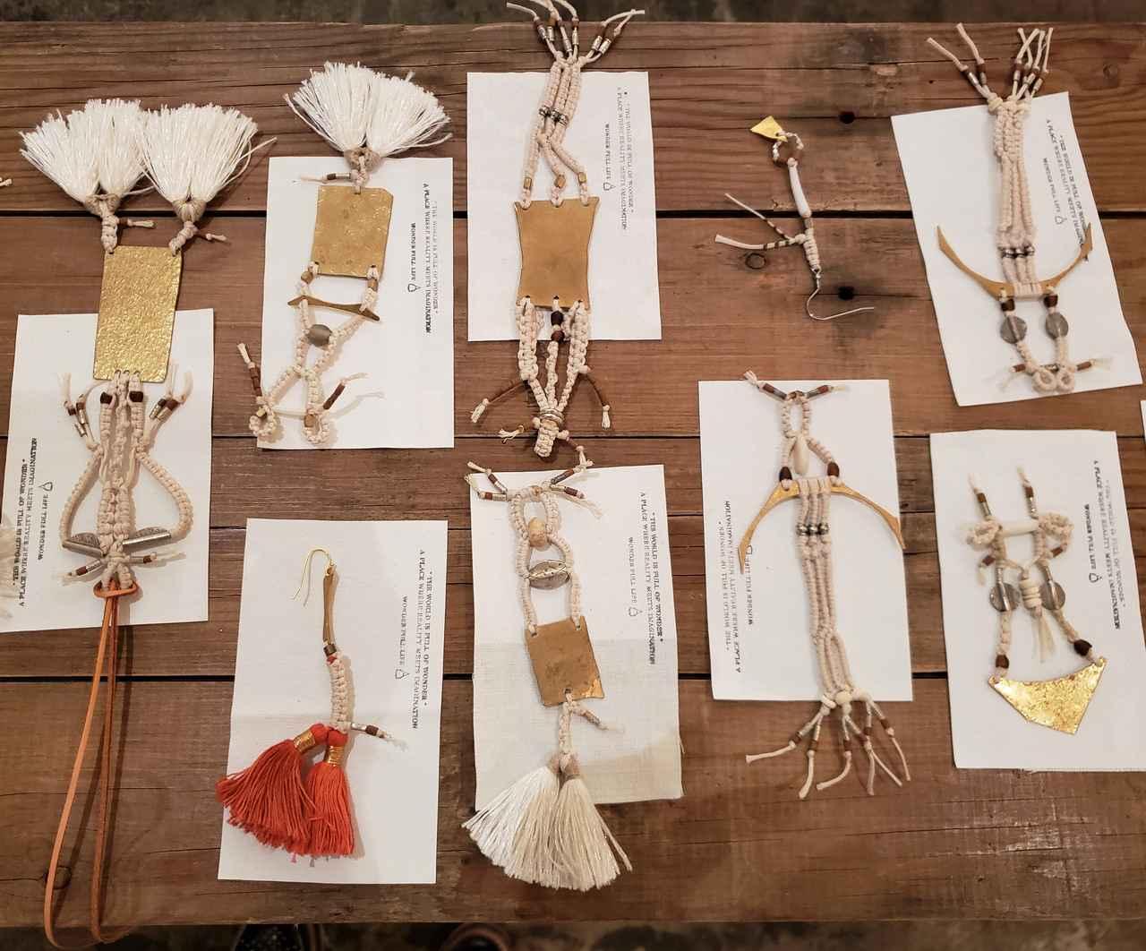 画像: 大脇千加子さんが主宰する創作プロジェクト「WONDER FULL LIFE」の作品も展示、販売されています。