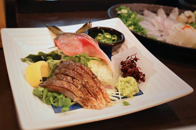 画像1: 博多に来たら新鮮なゴマ鯖食べちゃってん!