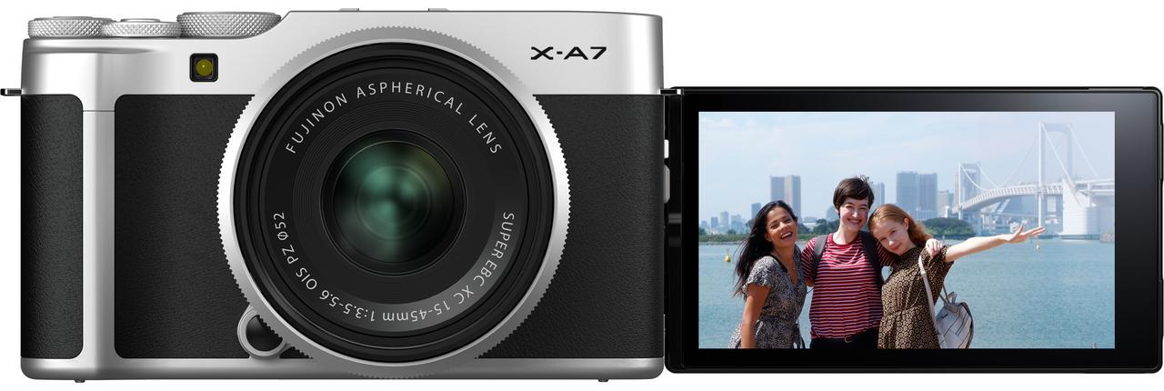 画像: Xシリーズ初のバリアングル式モニターを採用
