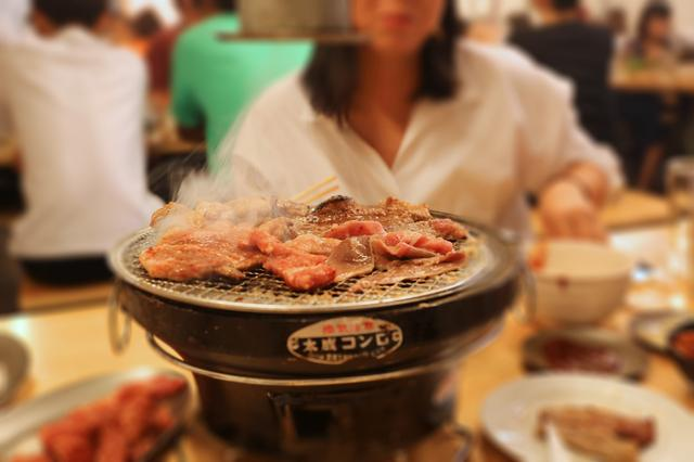 画像2: 炭火焼肉食べ放題999円!