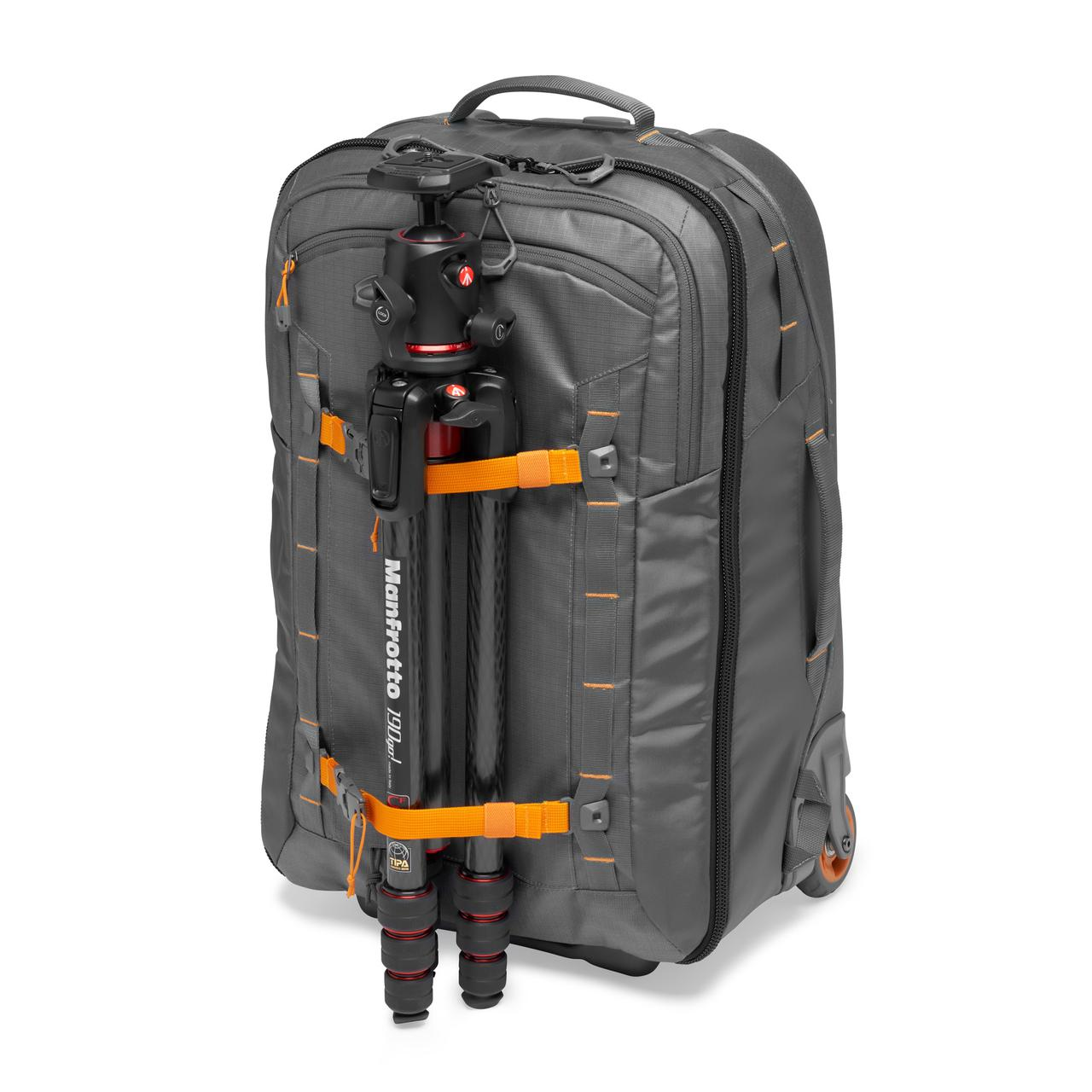 画像3: プロフォトグラファー向けバッグ。機内持ち込み可能サイズで便利!