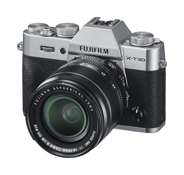 画像: 富士フイルムX-T30と、キットレンズのXF18-55mm F2.8-4 R OIS