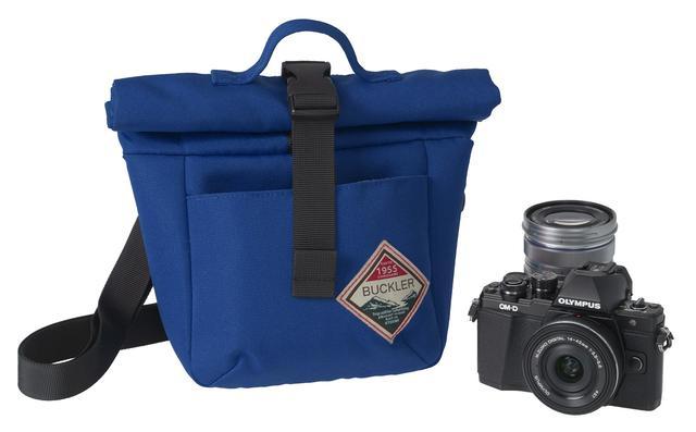 画像: 小型のミラーレスカメラをセットで収納するのにちょうどいい大きさ。