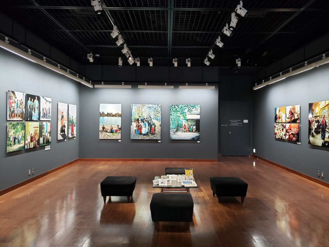 画像: 展示風景。会場には写真集に掲載した作品から未掲載の作品まで、総勢18名の写真家による24点が展示。