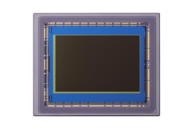 画像: 新開発「フルサイズ2010万画素CMOSセンサー」