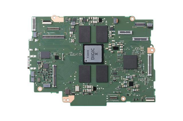 画像: DIGIC X を実装したメインボード