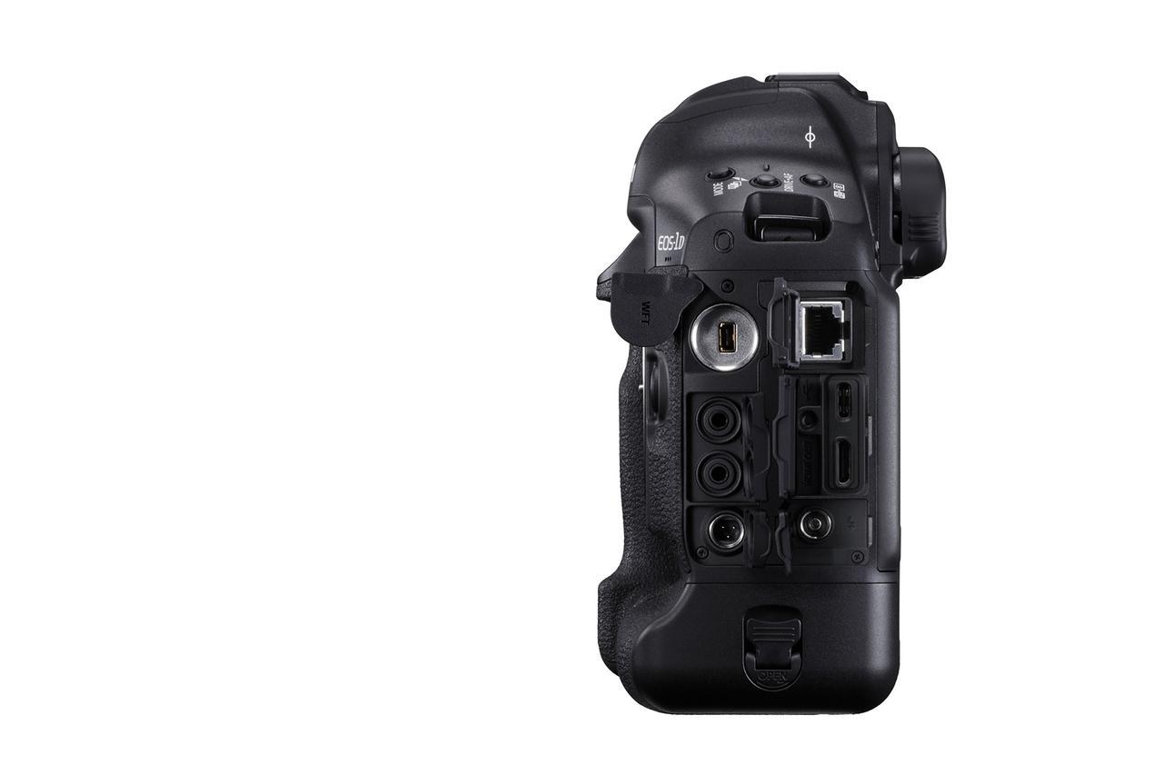画像: キヤノン EOS-1D X Mark III 側面(インターフェース側)