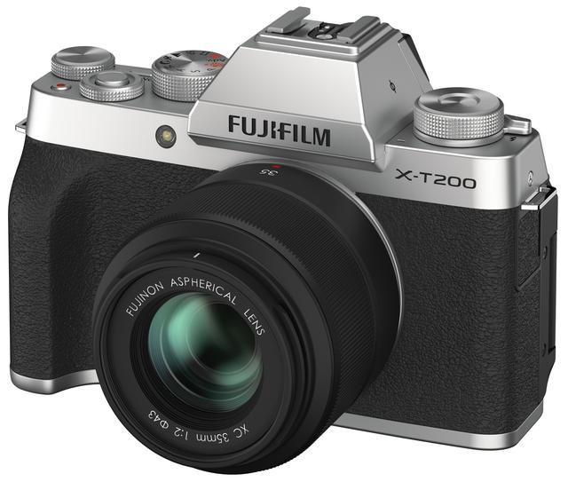 画像: X-T200に装着したフジノンレンズ XC35mmF2