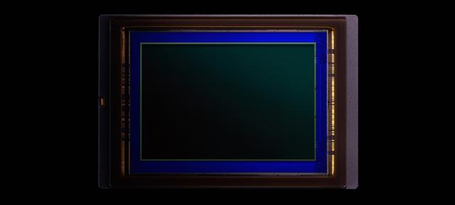 画像: 豊かな階調、高感度時の低ノイズなど、トータルバランスに優れた有効2082万画素フルサイズCMOSセンサー