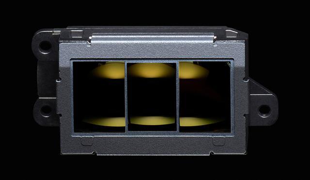 画像: 全点クロス、高密度105点AF、-4.5EV対応AFを実現する新開発マルチCAM37Kオートフォーカスセンサーモジュール