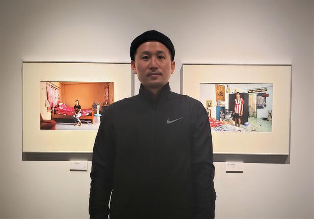 画像: 写真家の木村孝さん。木村さんは今後もアマタナコーンを訪れ、変貌していく都市の風景と、この街に生きる人々の撮影を続けていきたいそうです。