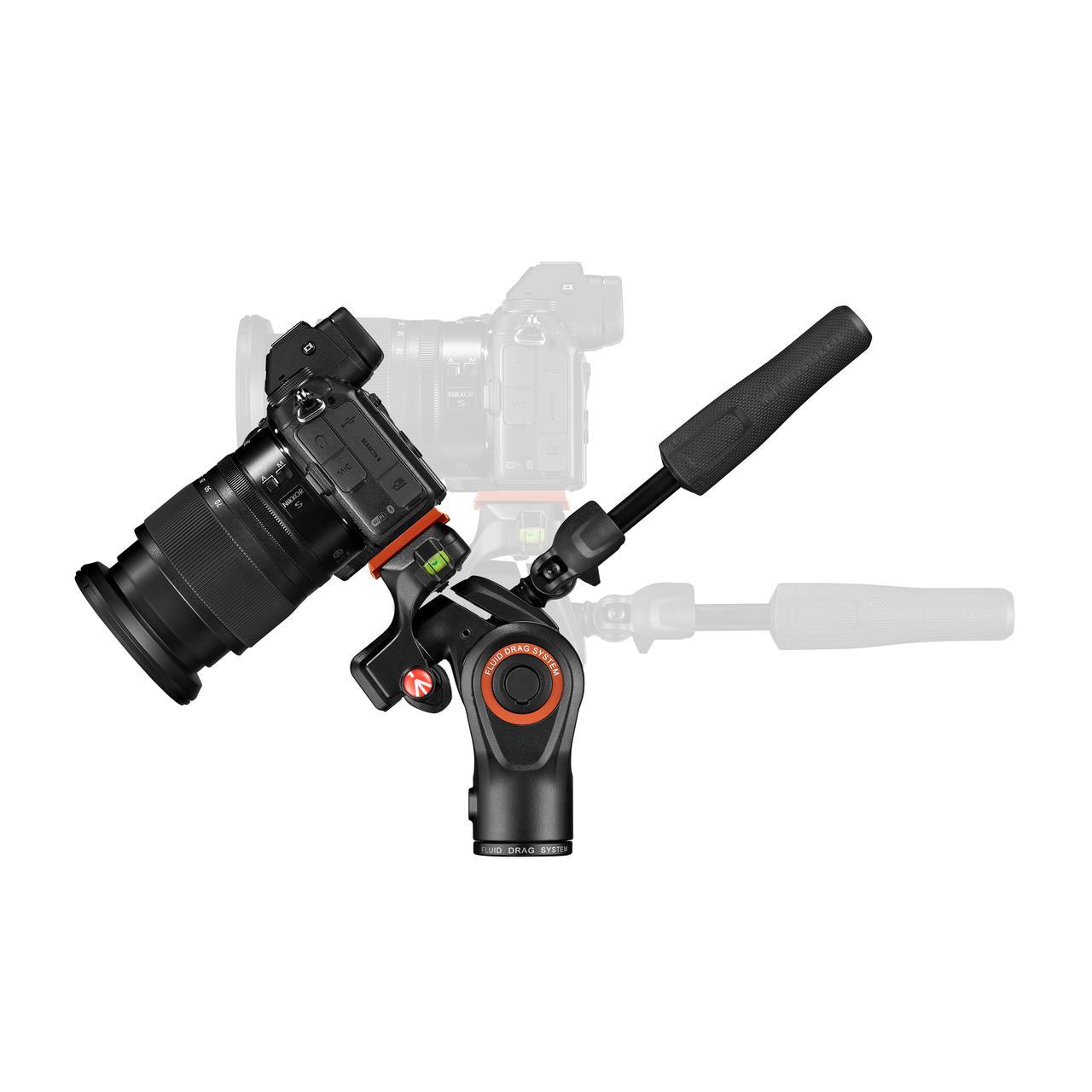画像: ▲ティルト操作もスムーズに行えるので、写真、動画の両方で活用できる。
