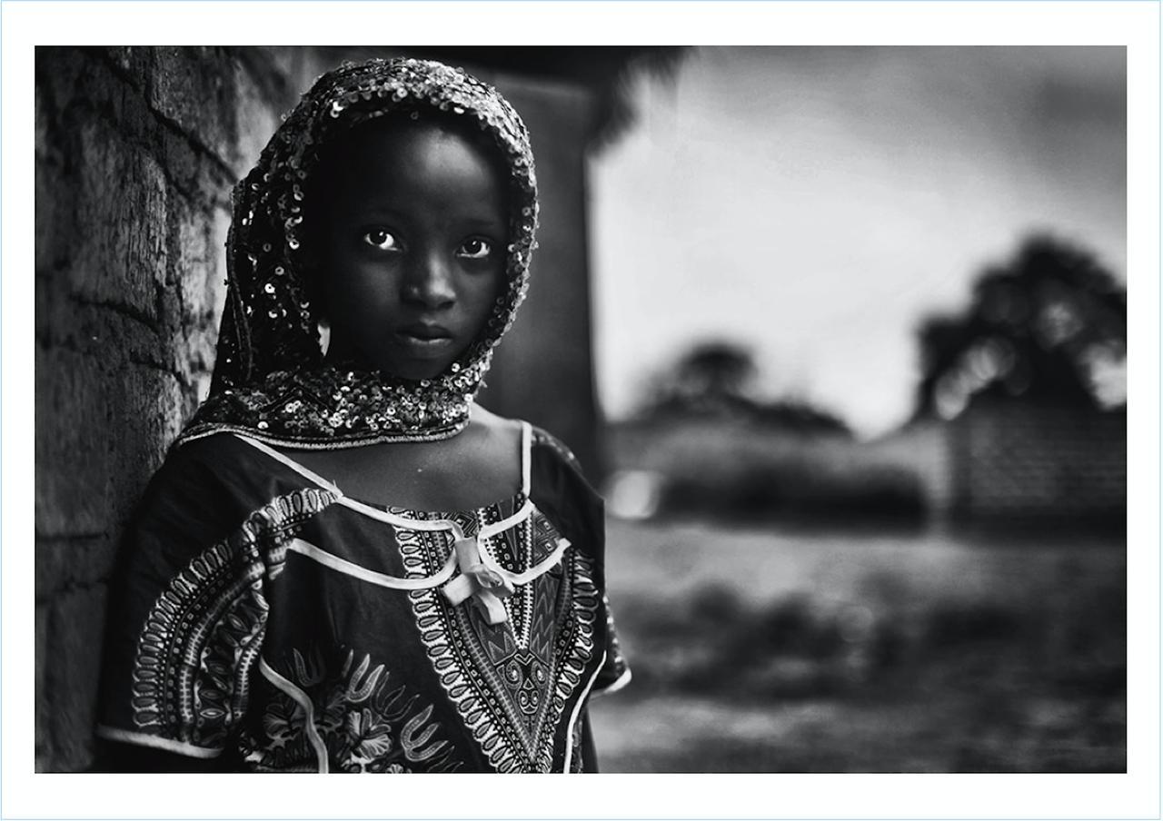 画像2: 青木弘氏が中央アフリカ共和国をテーマにした 写真集「樹平線 juheisen」が好評発売中!