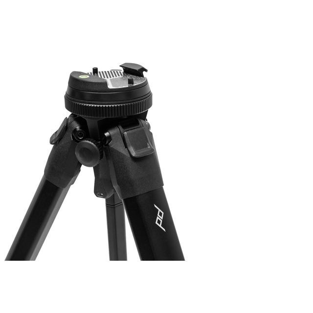 画像: ▲カメラ取り付け部の形状もユニークだ。他社製の雲台を取り付ける場合は「ユニバーサルヘッドアダプター」(別売:税別4100円)が必要となる。