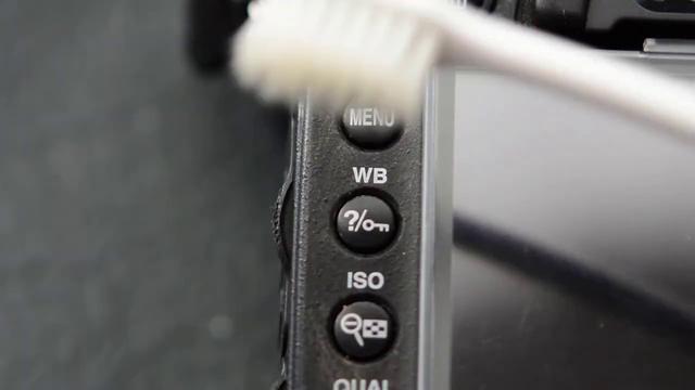 画像: ボタン回りの清掃方法について~お家で簡単メンテナンス~ | ニコン youtu.be