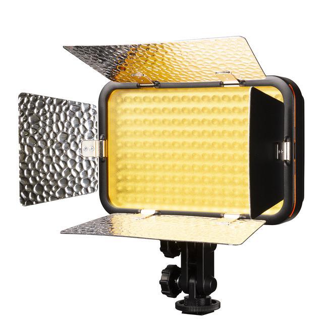 画像: LED170IIに付属のタングステン変換フィルターを装着したところ