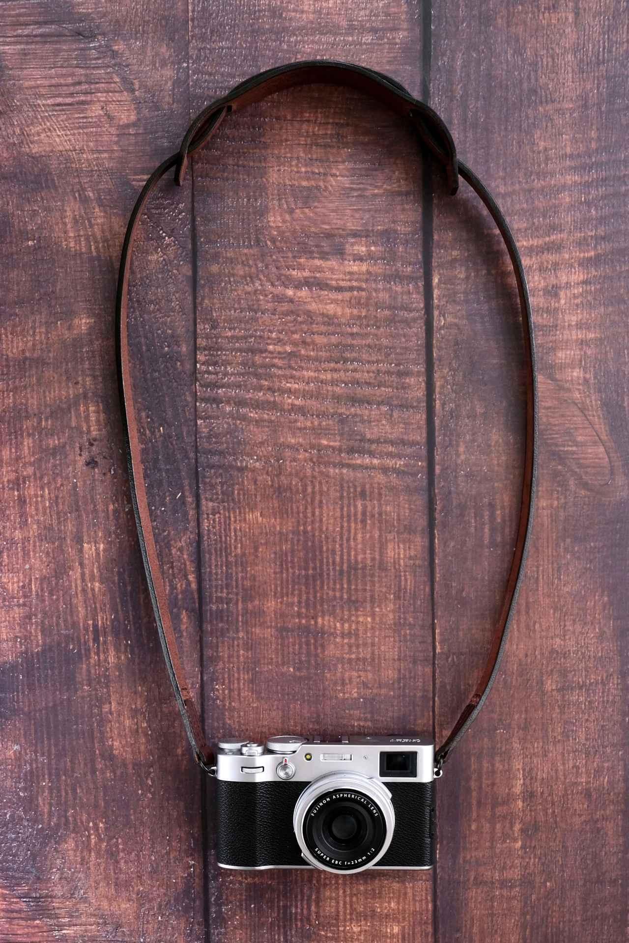 画像: ストラップの全長は首にかけた時に安定する長さの95cm