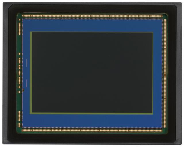 画像: EOS R5に搭載される有効約4500万画素のCMOSセンサー