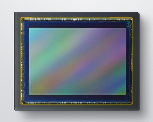 画像: Z 5に搭載される有効2432万画素フルサイズCMOSセンサー