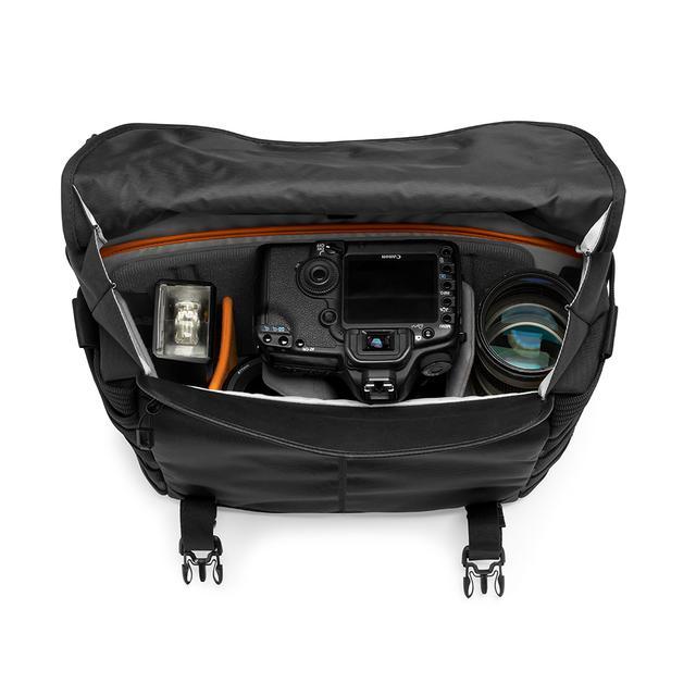 画像: ▲70-200mm レンズ付きの一眼レフカメラ+交換用レンズ1~2 本+アクセサリー。
