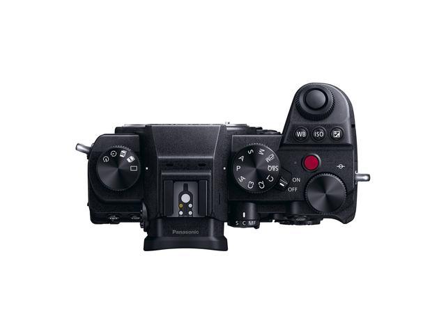 画像: ▲コンパクトかつ機能性を考慮して設計されたボタン、ダイヤル類。