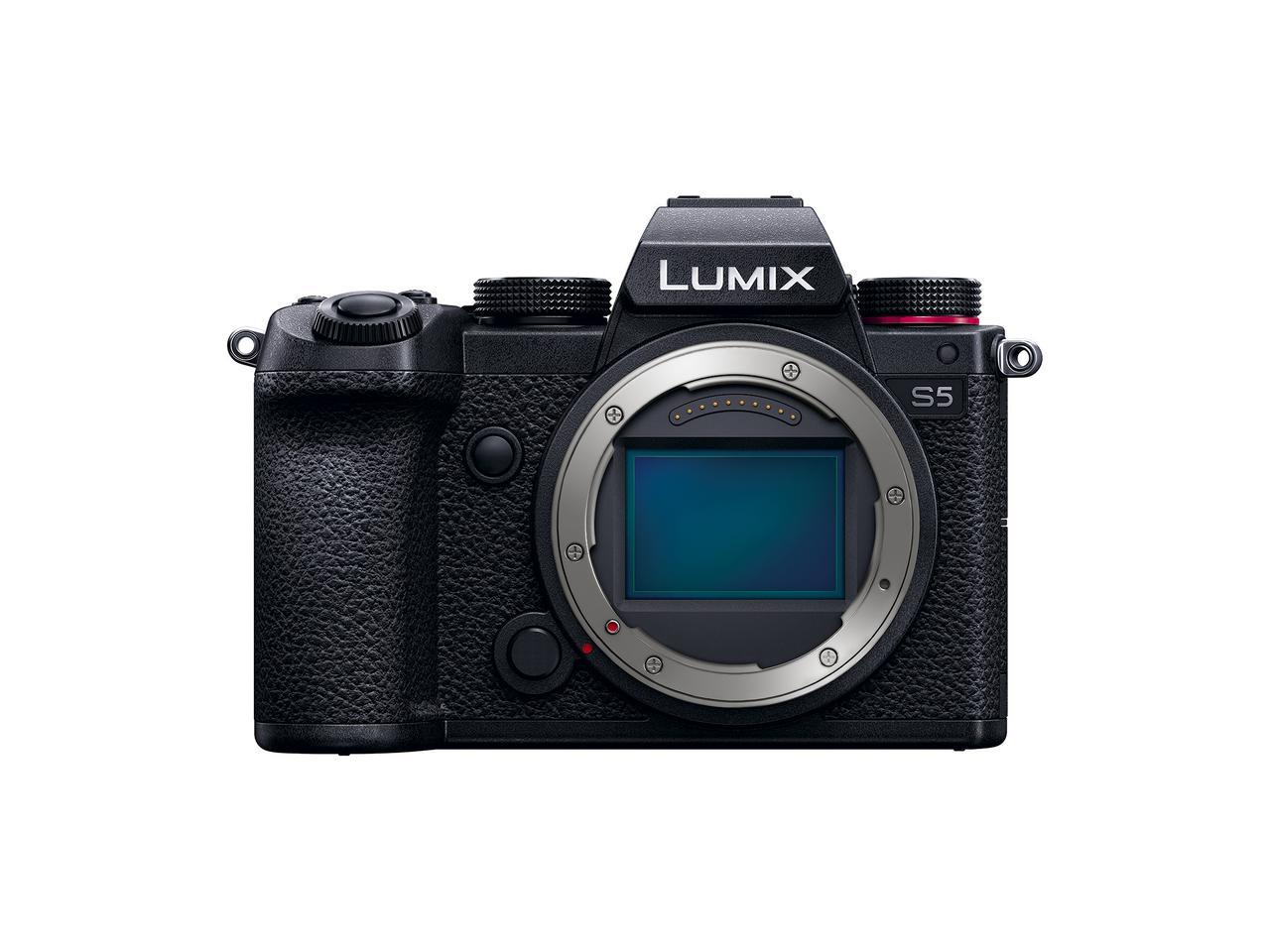 画像: ▲24.2MPのフルサイズセンサーはローパスフィルターレス。Lマウントを採用しているので、ライカ、シグマのLマウントレンズも使える。