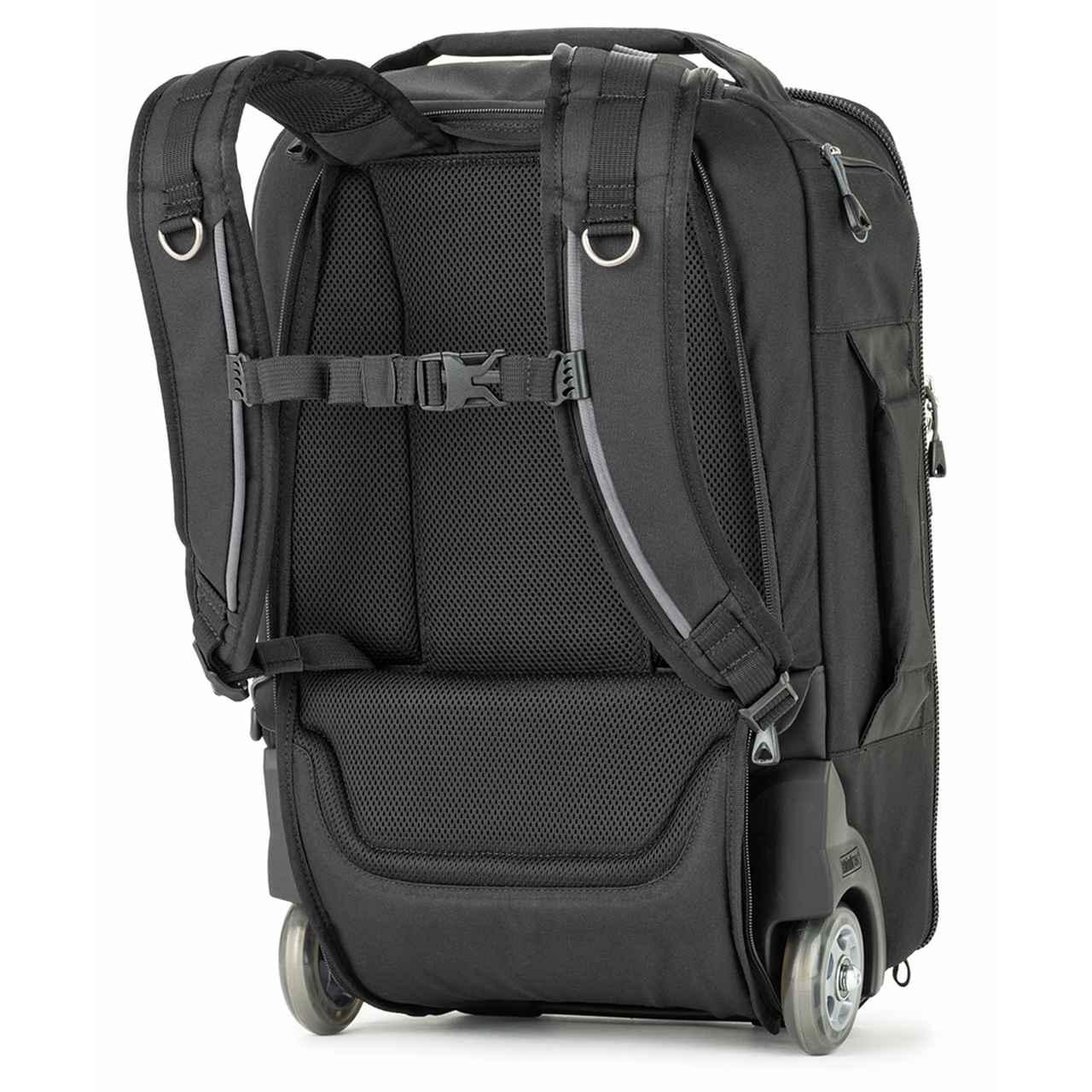 画像: ▲背面。ローリングバッグとバックパックで使える。