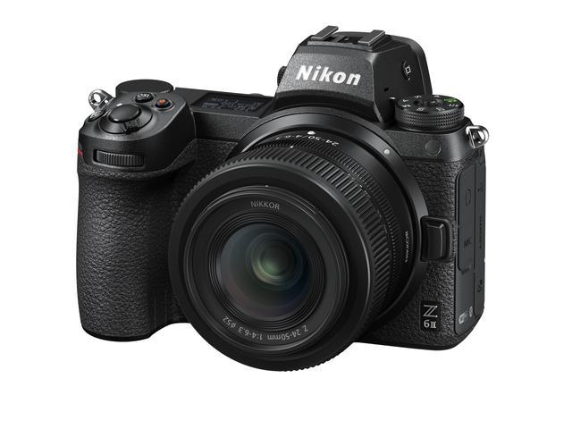 画像: ▲こちらはZ 6II。Z 24-50mmを装着した状態。
