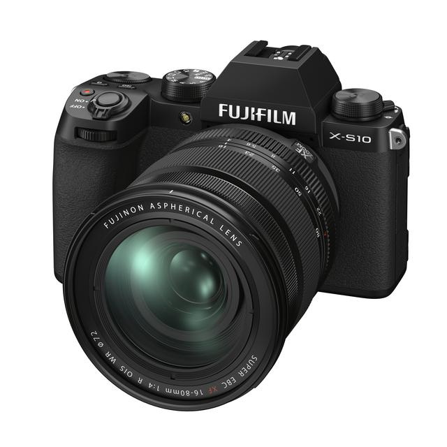 画像: ▲使い勝手の良い、XF16-80mmを装着した状態のX-S10。